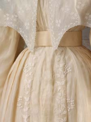 8 Somewhere between meringue and ivory: the White Wedding Dress: SUZANNE SPUNNER   Silk wedding dress, over-sleeves and pelerine, trimmed with blond silk lace (detail), British, 1828. Worn by Eliza Larken for her marriage to William (later 6th Bar on) Monson. ©Victoria & Albert Museum / V&A Images