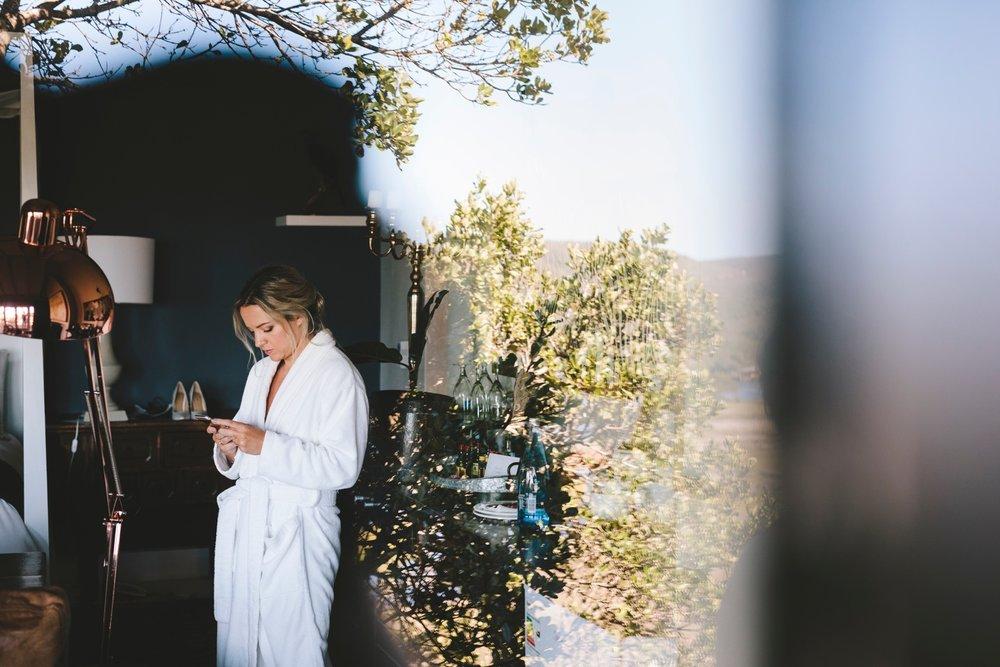 charlie_ray_photography_runaway_romance_elopement_emily_moon_plett_simple_boho_wedding_south_africa_bohemium_0025.jpg