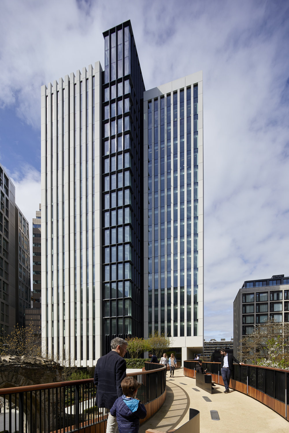 London Wall Place, Make