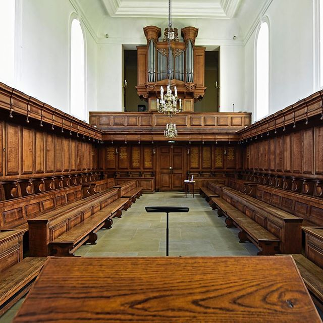 Just a reminder that we are performing 'The Lady's Mad' @somervillecollegeox tomorrow night rather than Hertford College. Ticket holders have been sent an email regarding the change! The address for Somerville is: Woodstock Road, Oxford, OX2 6HD. We can't wait to perform in this beautiful space, there are very few tickets left so be sure to book: thistledowntheatre.com/tickets #oxford #theatre #performance #somervillecollege #oxfordcollege #tickets #dontmissout #theladysmad #newwriting #englishcivilwar #oxforduniversity #busy #book #parlimentarian #womenwriters #playwright #royalist #womeninhistory
