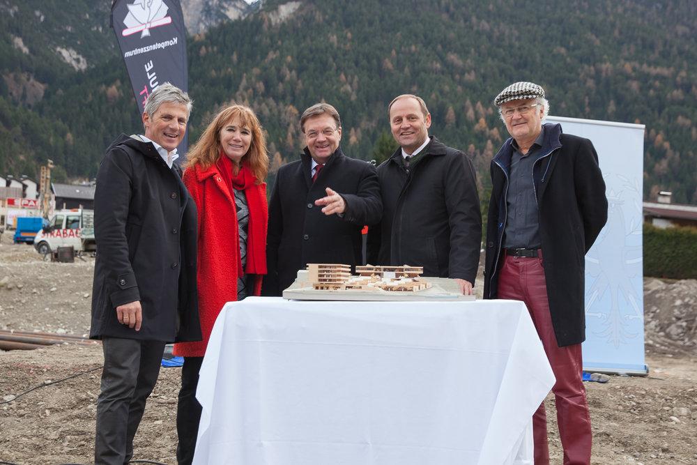 BGM Peter Schönherr, Arch. Hemma Fasch, LH Günther Platter, LHSTV Josef Geisler, Arch. Jakob Fuchs
