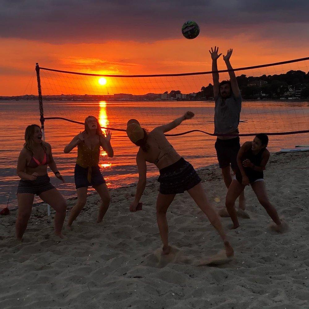 Volley_ball_beach_club_sandbanks.jpg