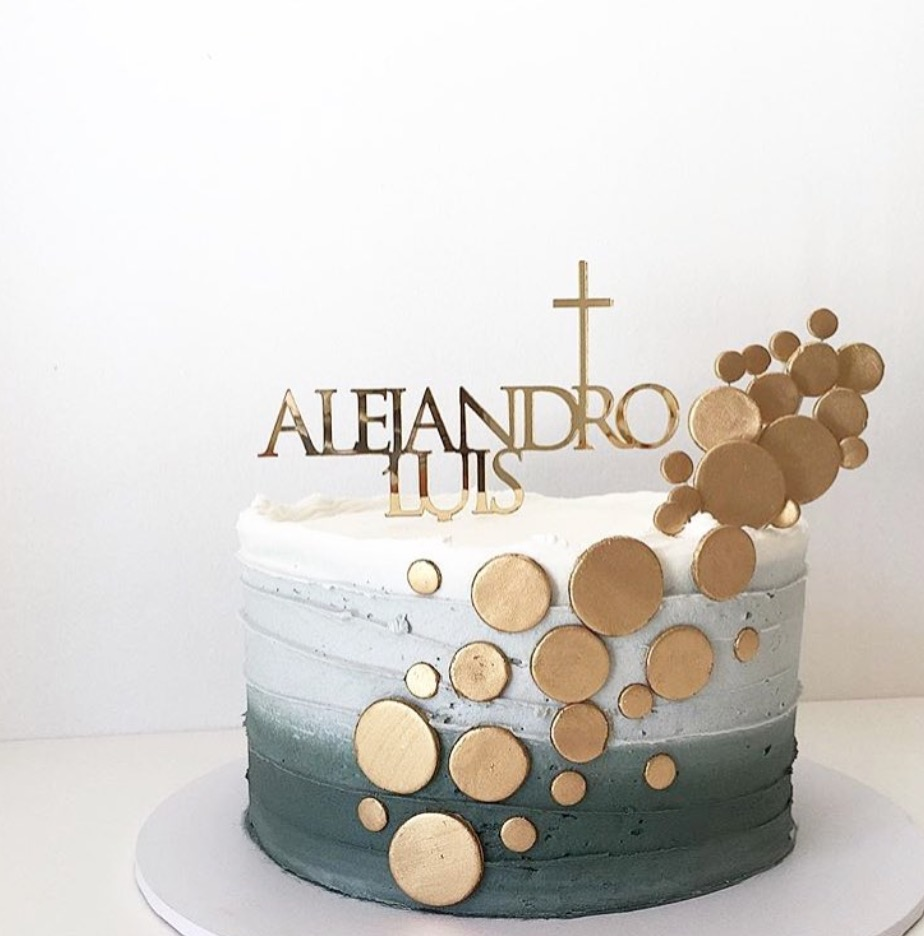 Gold cake topper with accents & blue buttercreme cake @buttercremelane