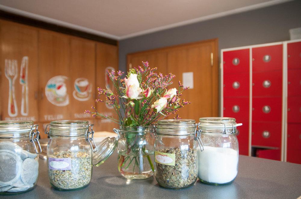 Insel Hostel Lindau Lake Constance - kitchen and communal room