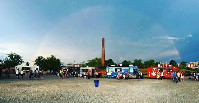 A beautiful rainbow over South End's Food Truck Friday. Come join us every Friday at @sycamorebrewing for great food, live music, beer and wine, and family fun. 📷: @freshmedclt