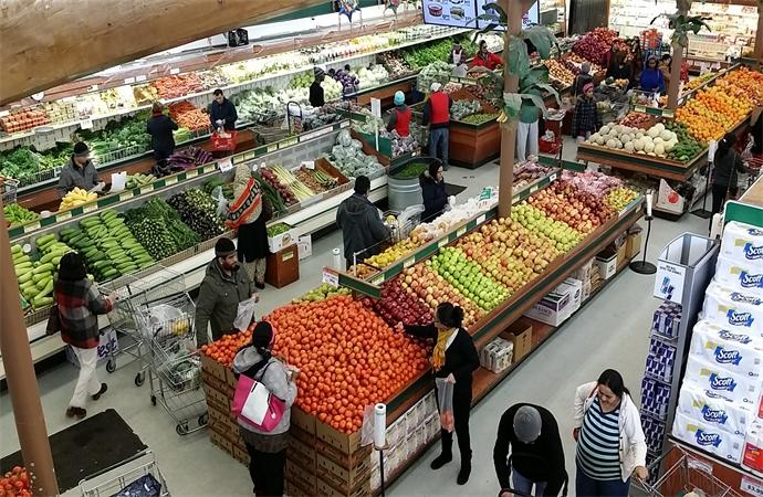 New Grand Mart Shoppers.jpg