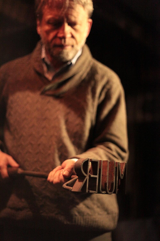 Antanas Mockus - still from  MUJER