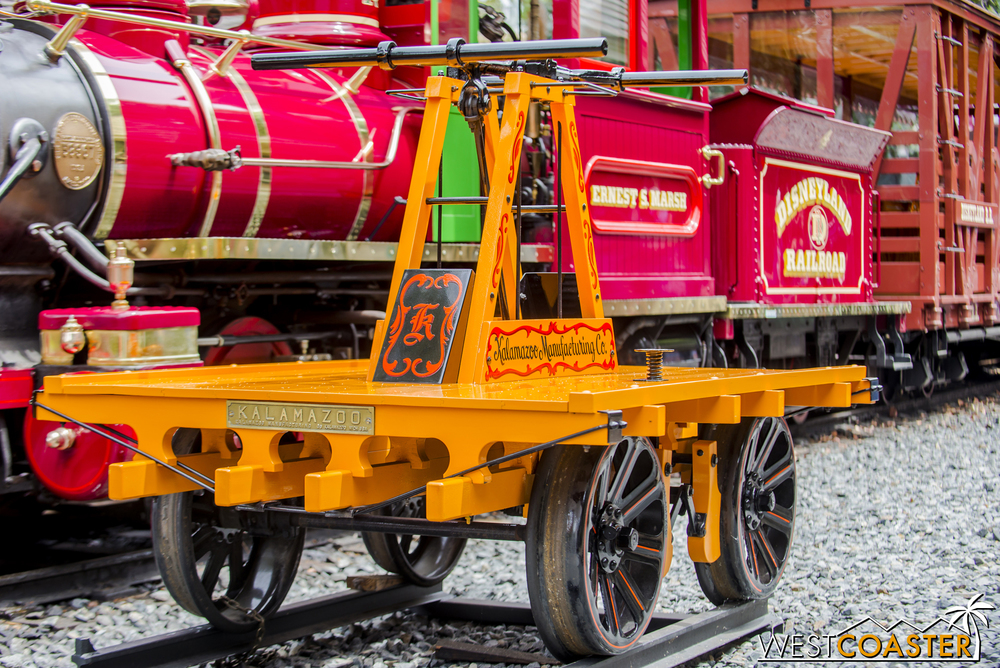 A close-up of said handcar.