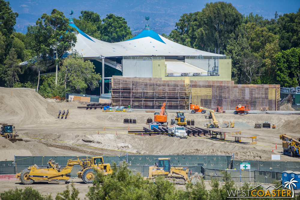 There are steel beams and more formwork over closer to Fantasyland Theater.  Looks like business is about to pick up?