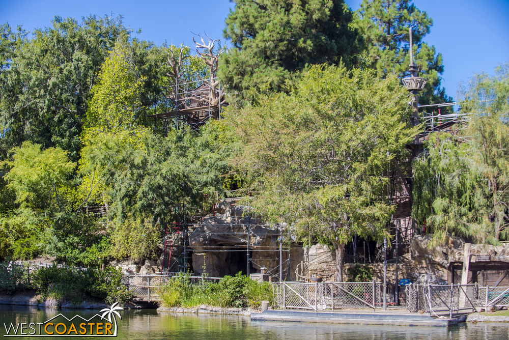 The treehouse and play structures are getting some welcome repairs.  It's been a while since Tom Sawyer Island had significant work done--since the debut of Pirate's Lair on the island nearly ten years ago!