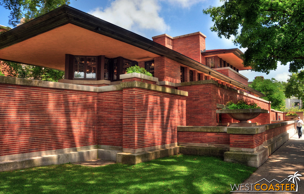Frank Lloyd Wright's famous Robie House showcases sleek horizontals and is located south of the city, on the University of Chicago campus.