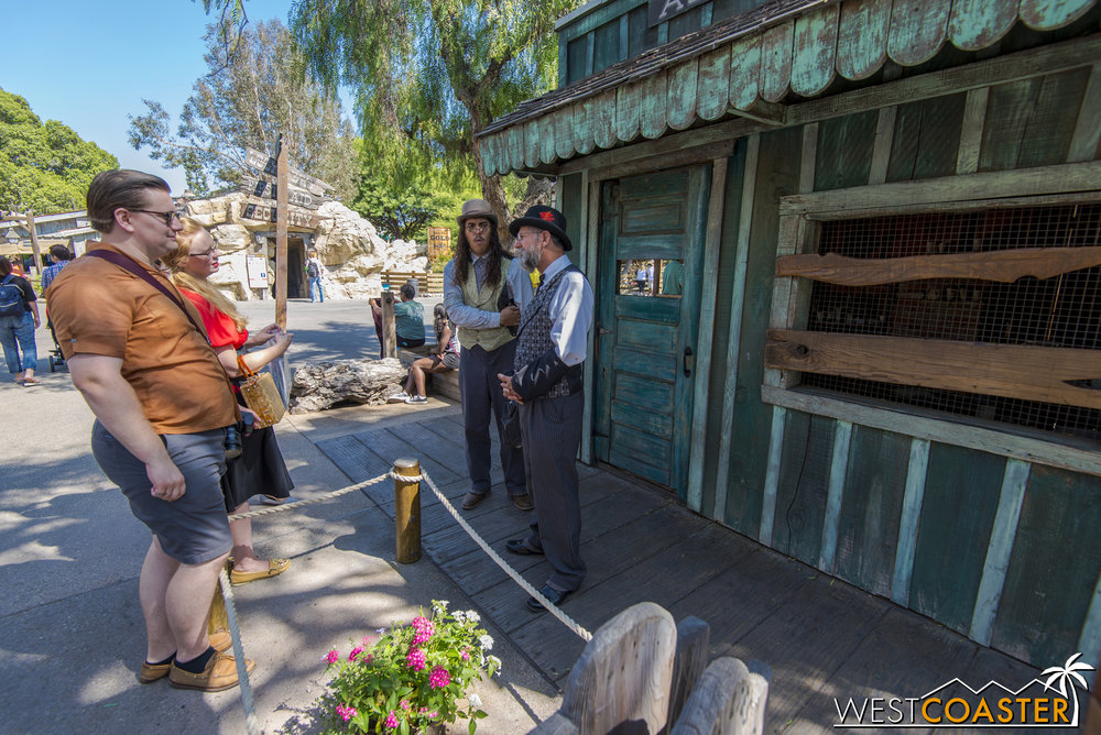 It took no time to see guests engaging with the Ghost Town Alive! cast, and in character.  In fact, this event has drawn repeated guest visits from season passholders who have been drawn into the stories and mythos--in addition to participation from regular guests, of course.