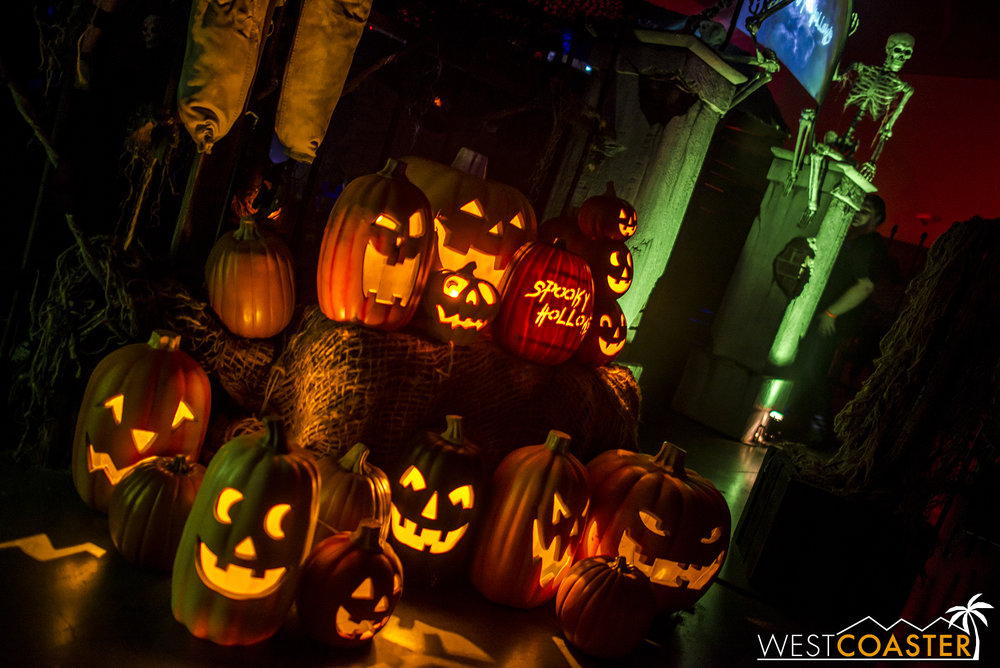 A glimpse at the quality behind the Spooky Hollows home haunt.