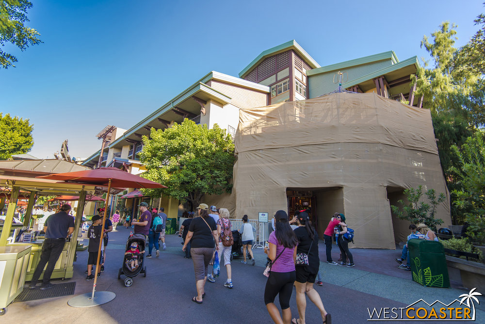 The World of Disney west entrance is under regular maintenance, but guests can still come in through here while building work proceeds.