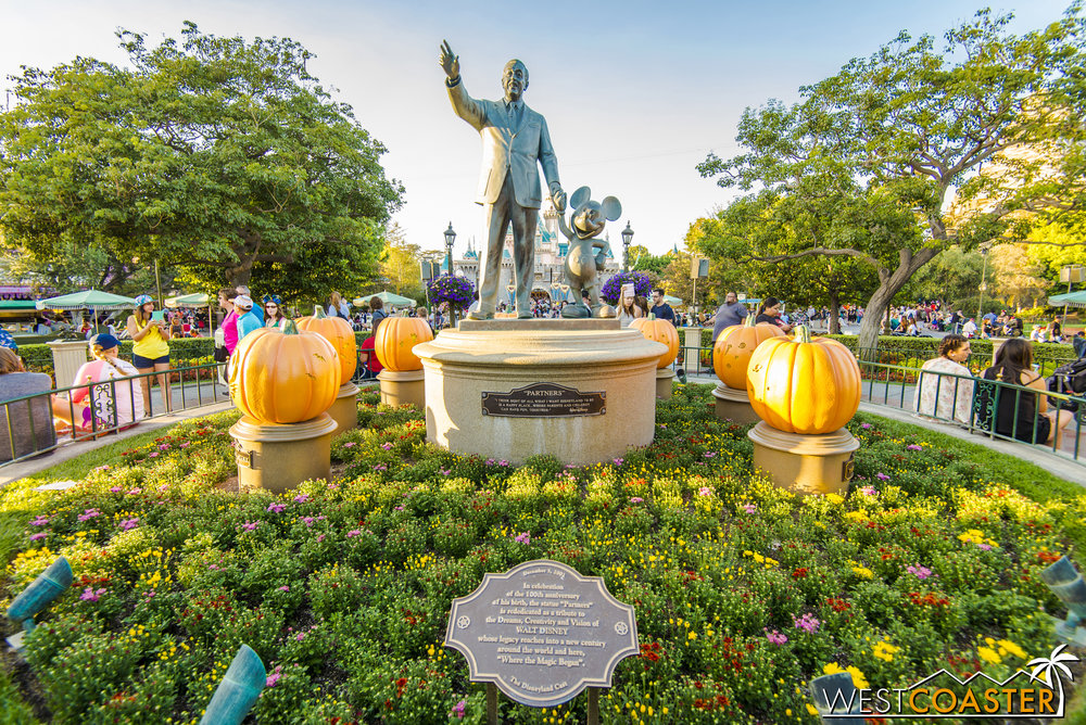 And all the way up to the Partners Statue, with the character jack-o-lanterns around it.