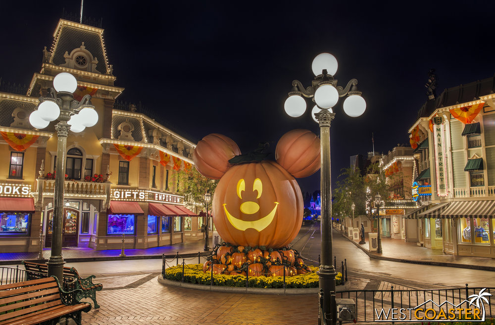 Good night, Disneyland.  Fortunately, Halloween Time continues through the end of October!