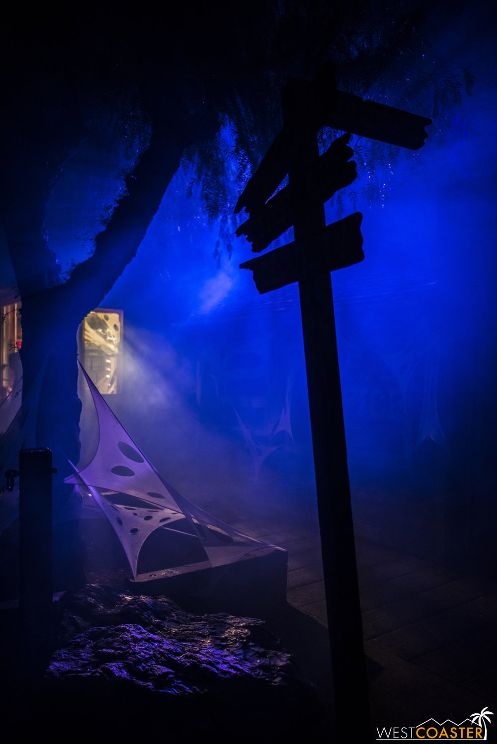 When the Veil creeps in every autumn for Knott's Scary Farm, you get this.