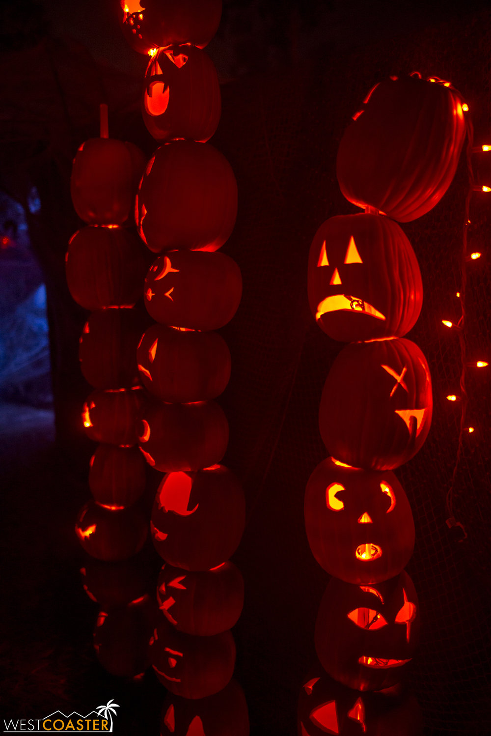 More jack-o-lantern towers.