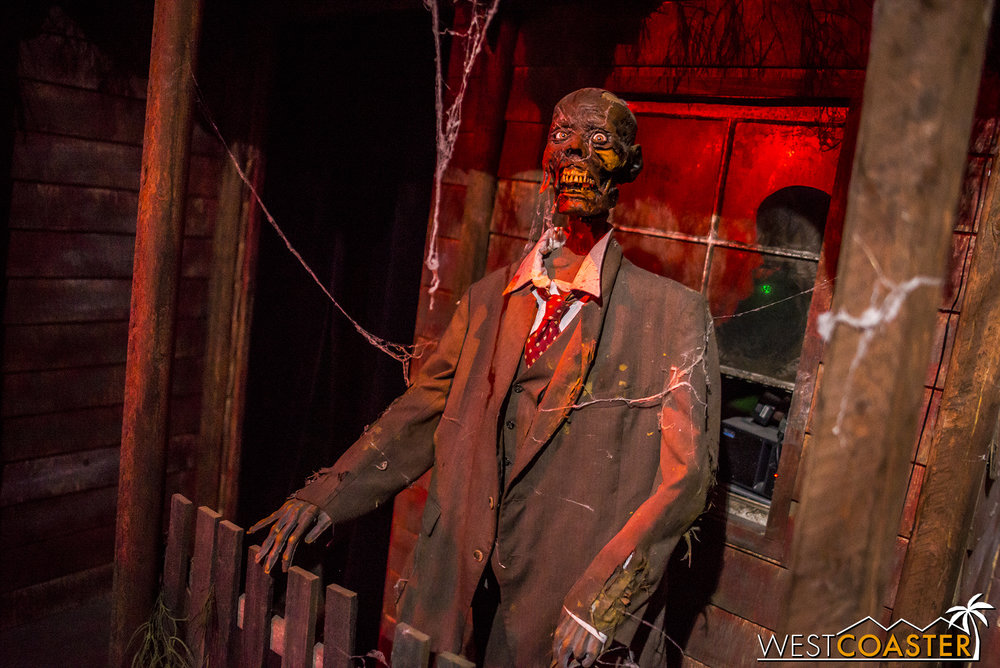 This great animatronic skeleton explains the rules at Reign of Terror.
