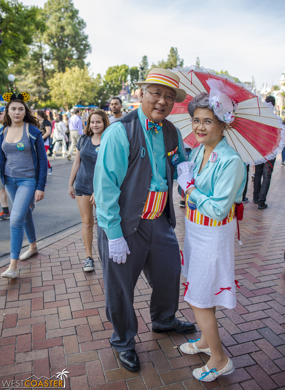 "The absolutely cutest Dapper Day participants were this  older couple  who claimed they were ""just getting into"" the whole DisneyBound thing but seemed to nail the Mary Poppins theme very well."