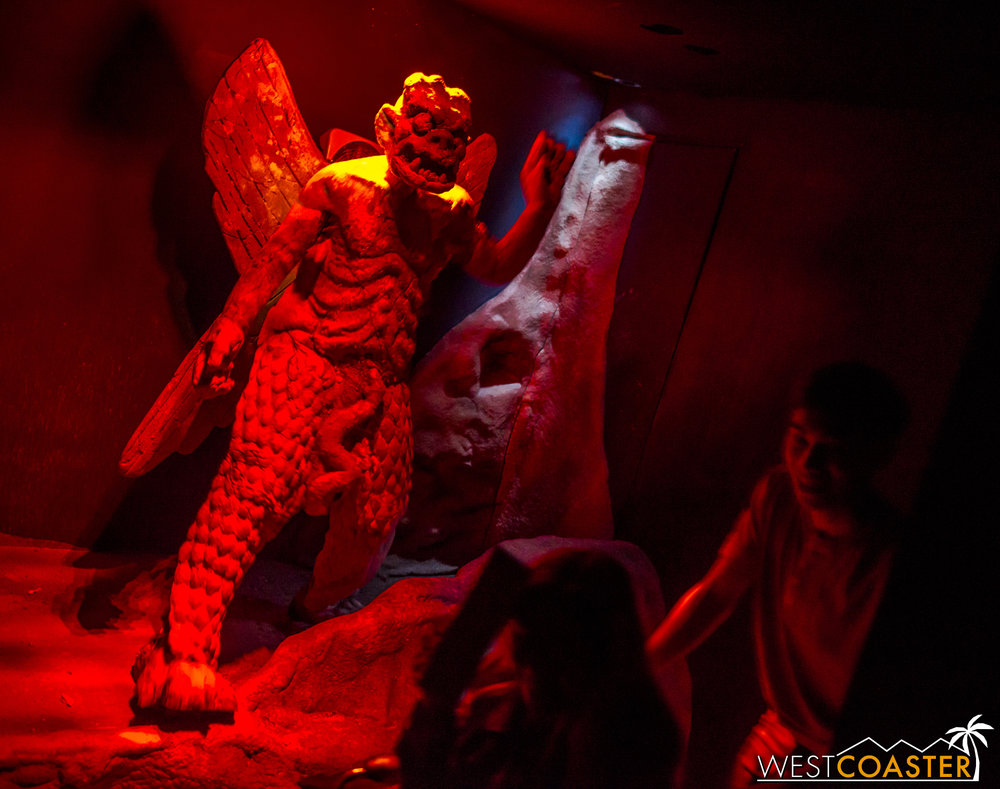 Pazuzu even appears as a startle scare scareactors near the end of the maze!