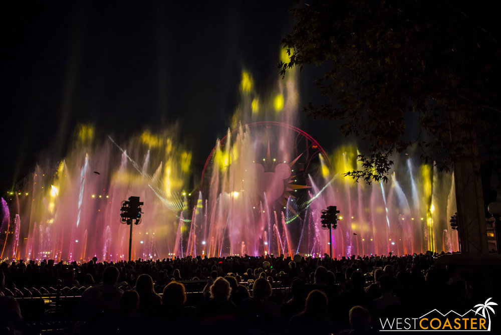 DLR-16_1117-0191(WorldOfColor).jpg