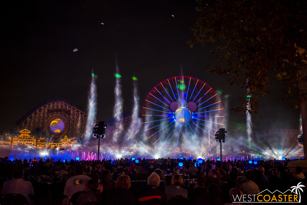 DLR-16_1117-0194(WorldOfColor).jpg