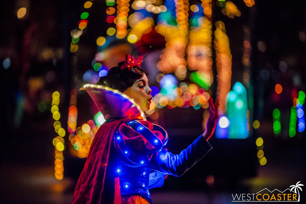 Snow White breathing bokeh.