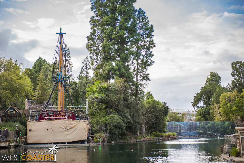 The Columbia and one of the dams of the Rivers of America.