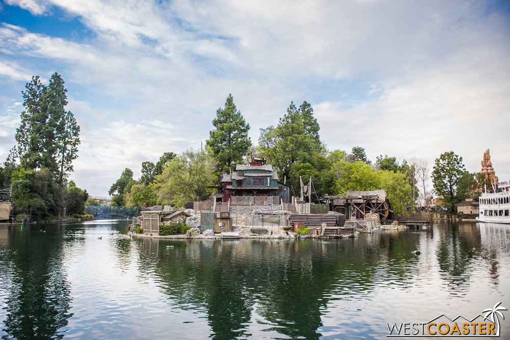 The front of Tom Sawyer's Island.