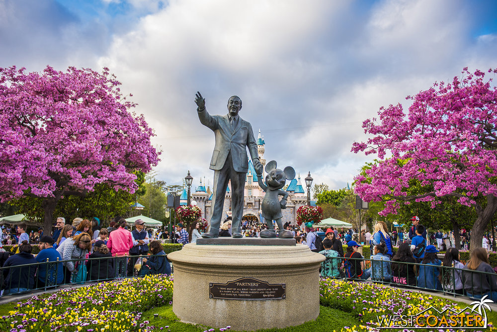 Of course, the most picturesque and heavily photographed area happens to be The Hub at Disneyland Park.