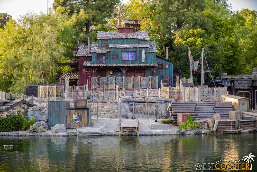 Tom Sawyer Island looks pretty much done.  As mentioned before, Lafitte's Tavern has gotten a new paint job.  And while it's more colorful than its previous scheme, I actually like it.