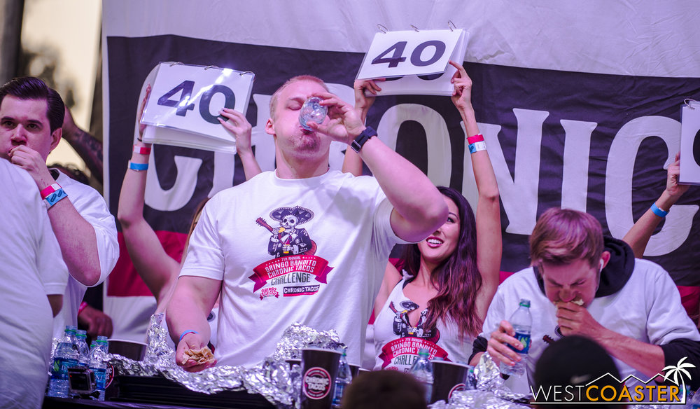 SabrosoFest-17_0401-E-EatingContest-0015.jpg