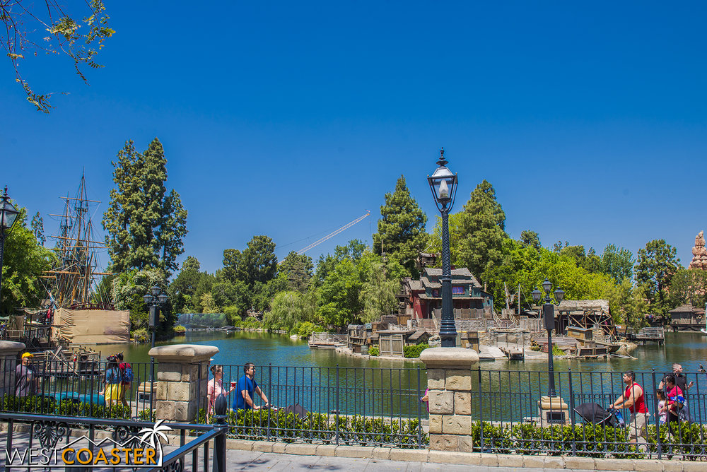 "Now inside the park, lets take a look at the Rivers of America / ""Star Wars"" Land border from the guest side of things."