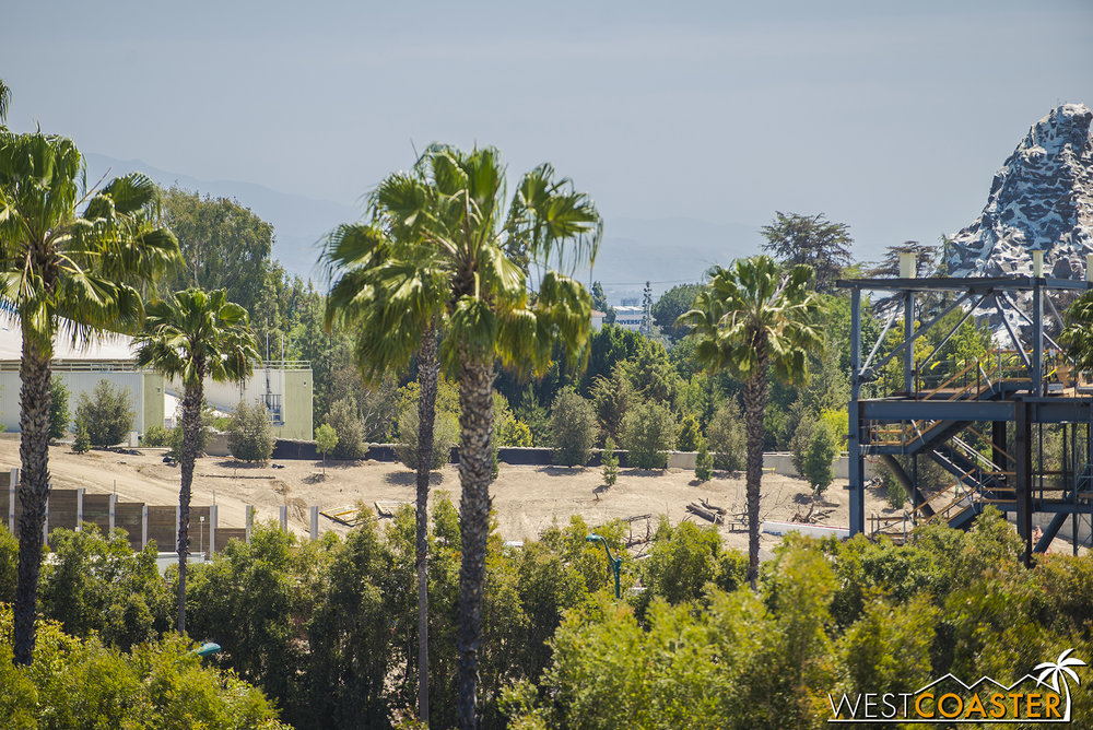 Lets peruse the berm against the Rivers of America and Frontierland.