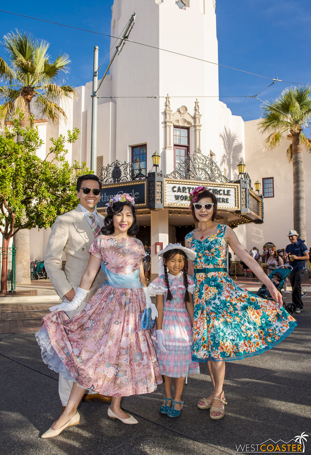 And it's super adorable when Dapper Day is an entire family affair, with multiple generations getting into the act.