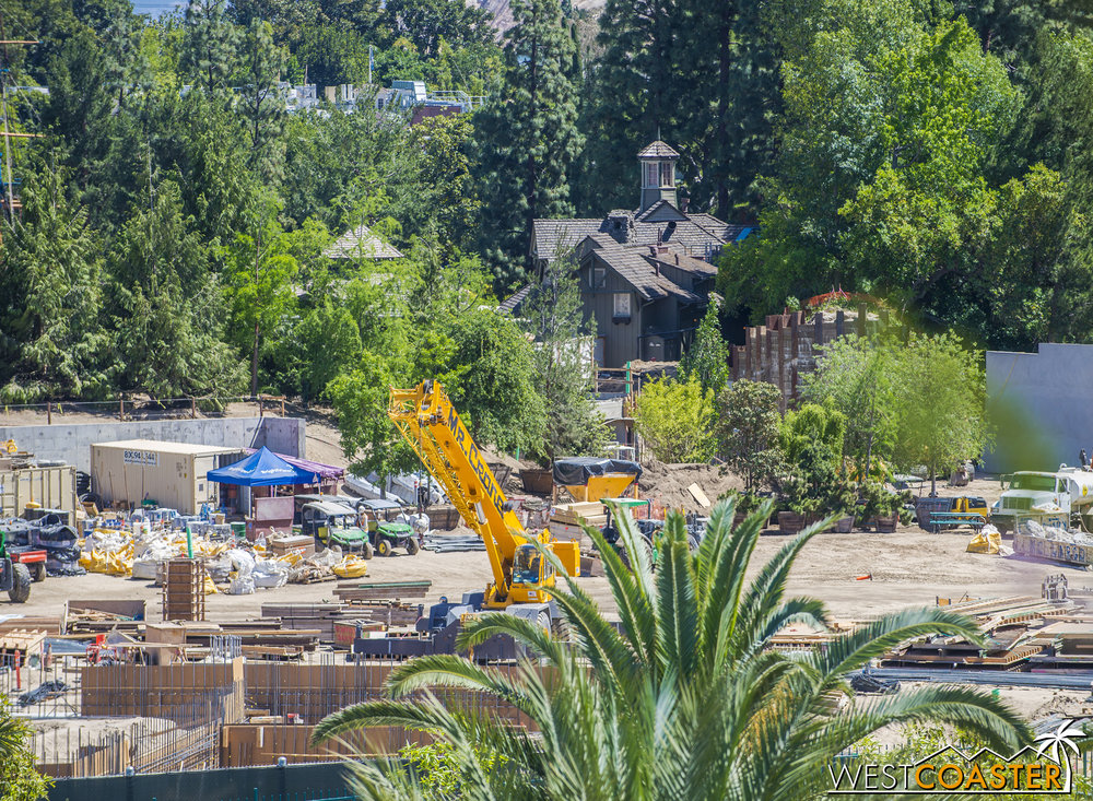 It will be interesting to see how the Rivers of America progress, and if a lot of finishing work happens in a short amount of time.
