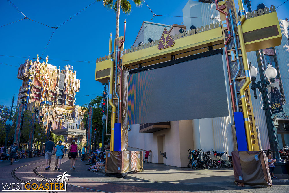 It feels Hollywood, even if the new Collector's Fortress looks completely out of place in this themed land.