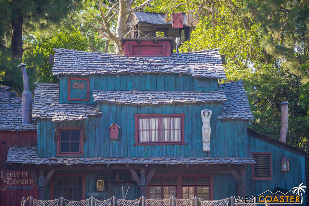 That window is so blatantly painted.  It looks like a false panel hiding some sort of equipment.  Should be interesting to see what part this plays in FANTASMIC! 2.0 (if any).