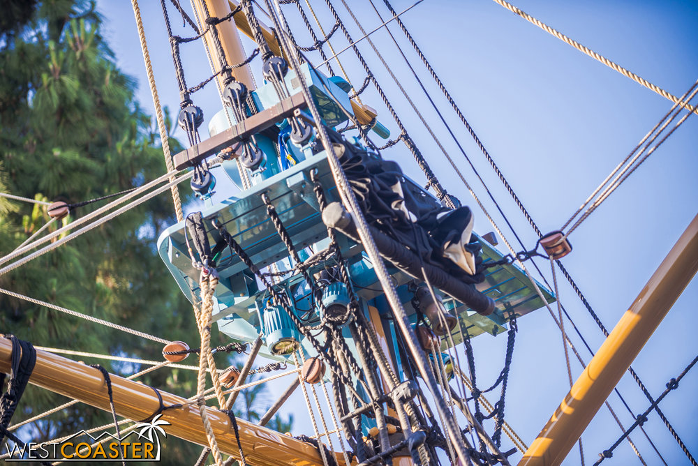 Lighting has been cleverly hidden in with the mast and sort of camouflaged behind the rigging.