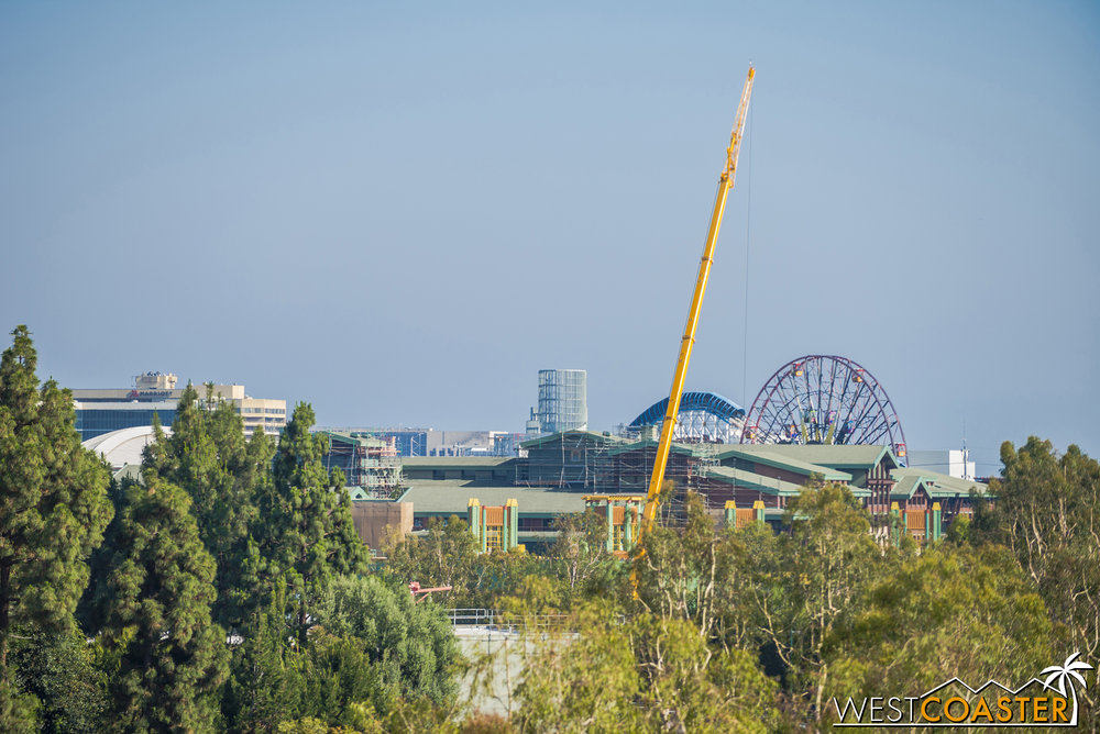 There's also a crane for the Downtown Disney construction of Splittsville too.  Though I didn't quite have time to snap some photos, that building has a lot of steel up now!