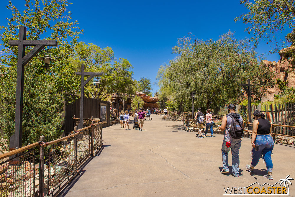 The new area looks great!  Very fitting with the Big Thunder Mountain aesthetic!