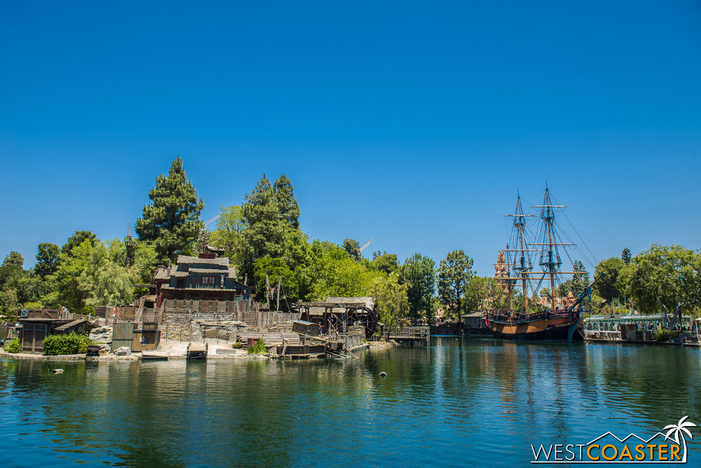 It is nice to see the Rivers of America refilled and looking nice and rustic again.  At long last the Disneyland West drought is over!