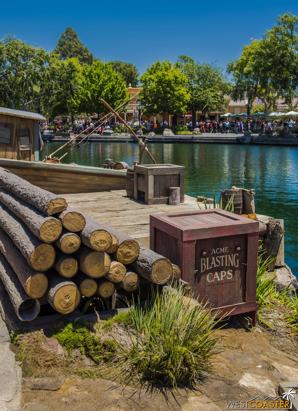 Various theming elements have gotten repainted or replaced. Although in this picture, one log is not quite like the others...