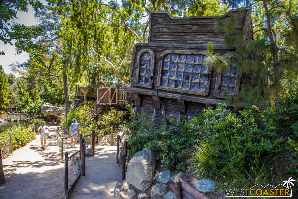 A shipwreck crashed upon the rocks of Tom Sawyer Island lies further up the isle.