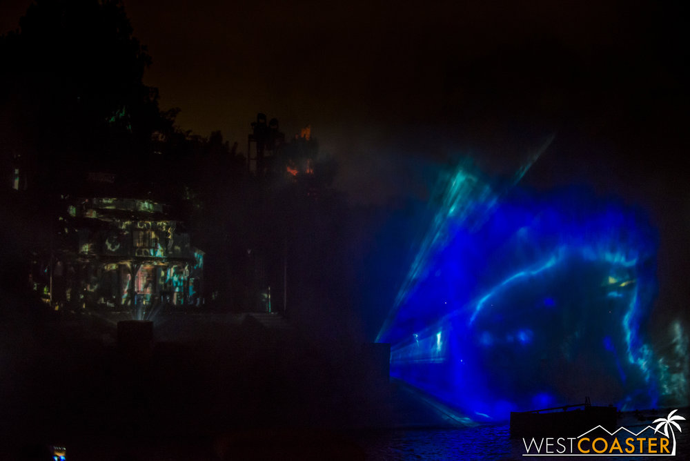 "The hag transitions into Ursula, taking matters into her own tentacles (another scene I failed to get a satisfactory photo of), and her ""Poor Unfortunate Souls"" style sequence is pretty much the same as before.  Unfortunately, no sighting of a repaired physical Flotsam and Jetsam reincarnation, as was the case when FANTASMIC! last underwent a major overhaul an received some new floats.  Guess some things just can't maintained free of problems."