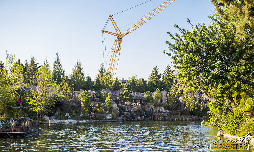 The Rivers of America is fully open, though those construction cranes and the Star Wars: Galaxy's Edge building prevent a perfect, finished shot from being taken.