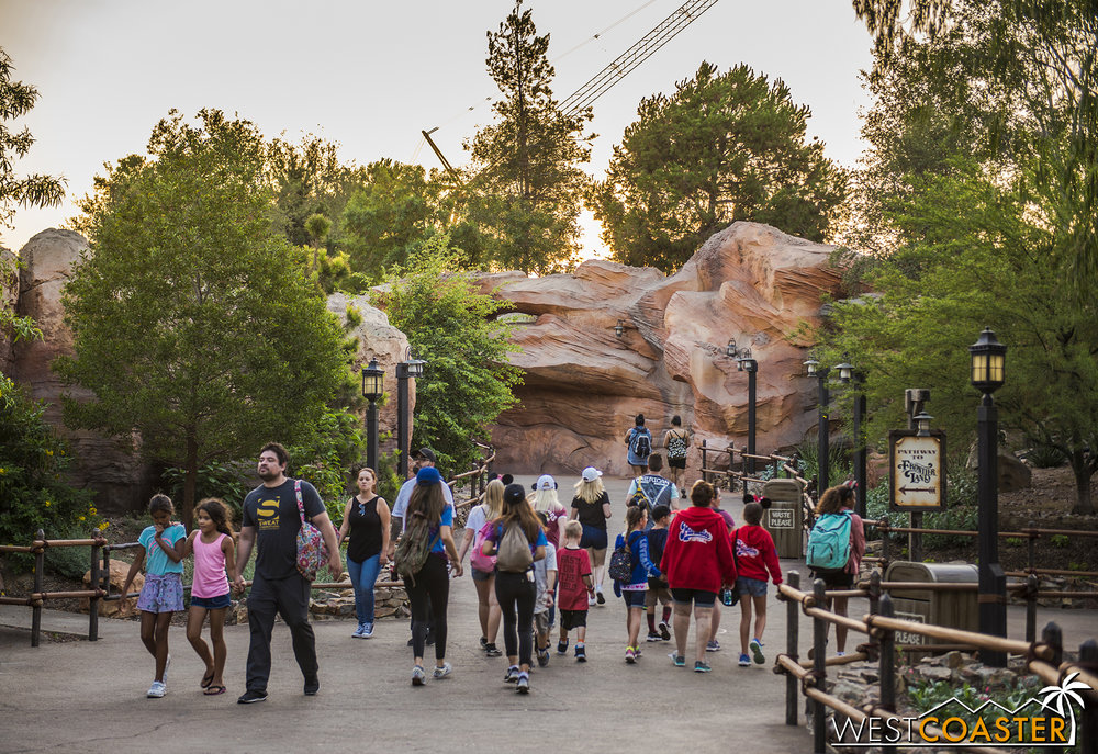 You've seen this view before from   our update when the trail reopened  , but the work walls that previously were located on the right edge of this photo have been pushed back.