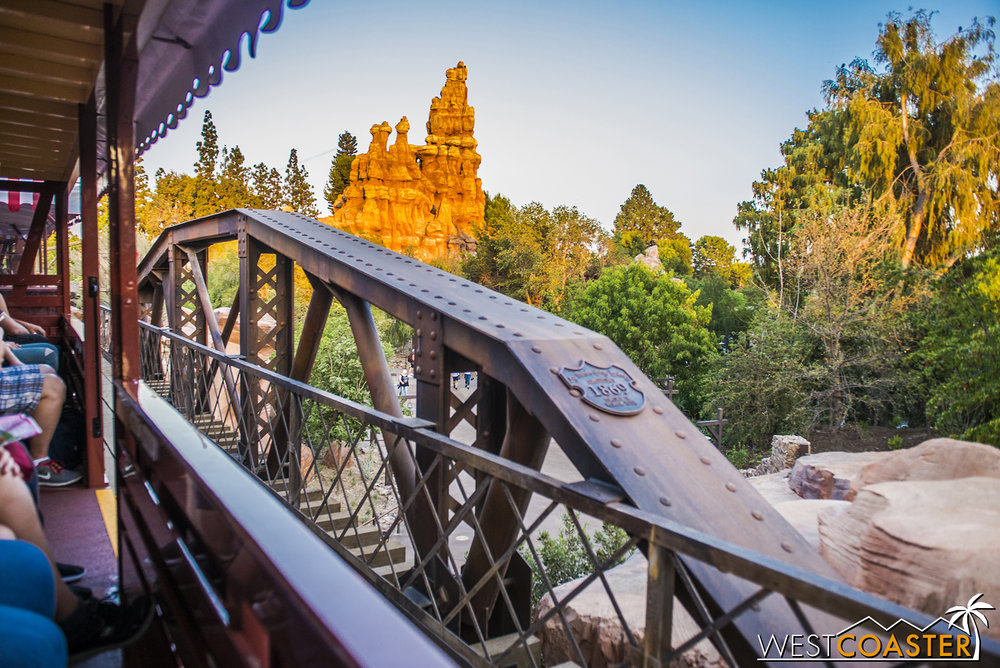 Now we come over the bridge arching over the Frontierland entrance to Galaxy's Edge that is farther away from Fantasyland than the other.