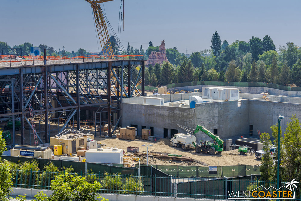 Starting on the south end of the First Order building, we see that the concrete building now has things on its roof!
